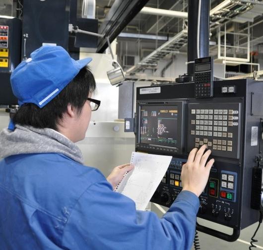 Tuyển nhân viên kỹ thuật thiết kế và vận hành máy CNC